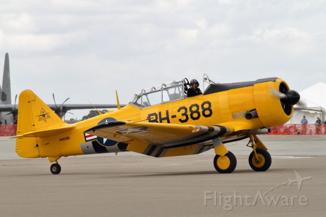 North American T-6 Texan (N49388) - Barry Hancock - AT-6 Texan Demo - Travis AFB Wings Over Solano - 05/06/2017