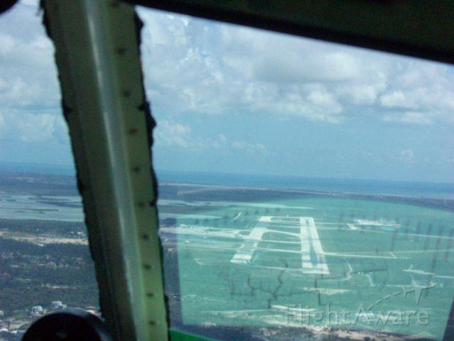 Piper Cherokee Arrow (N3925T) - Nassau Bahamas on approach