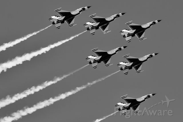 Lockheed F-16 Fighting Falcon — - (7/4/2020) The USAF thunderbirds overfly the Charles River was part of the 4th of July flyover!