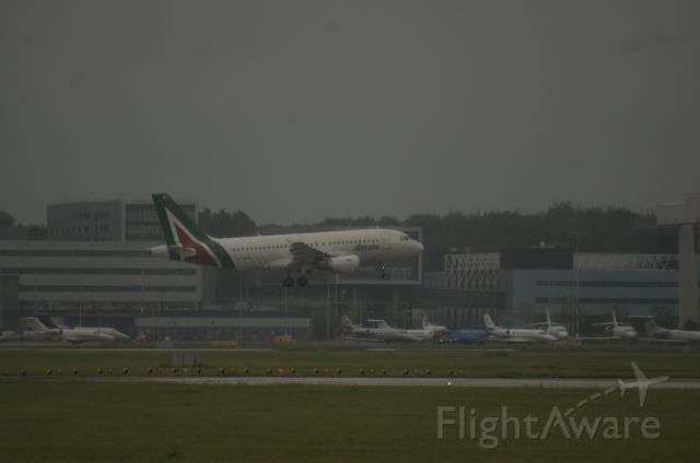 EI-IMD — - Watching the Buitenveldertbaan from McDonalds parking. Spotting from our car on a rainy morning.