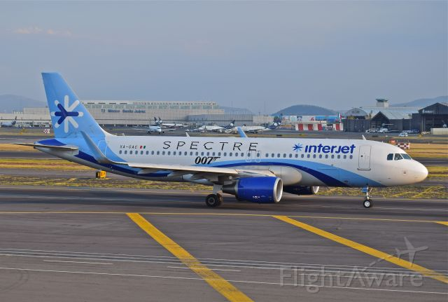 Airbus A320 (XA-GAC) - Interjet A320-214, airframe 5933, with titles spectre 007 movie´s ready to take off from 05L runway in Mexico City International Airport.