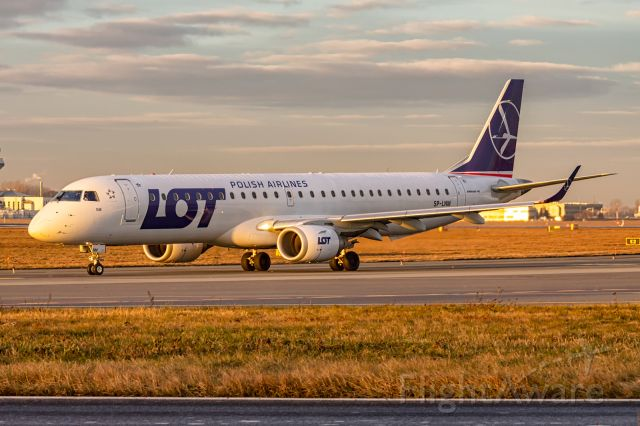EMBRAER 195 (SP-LNM) - SP-LNM LOT - Polish Airlines Embraer ERJ-195LR (ERJ-190-200 LR)