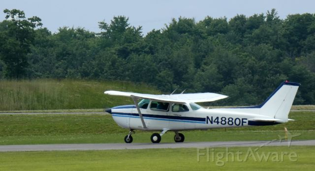 Cessna Skyhawk (N4880F) - Shown here is this 1979 Cessna Skyhwak 172N in the Summer of 2021.