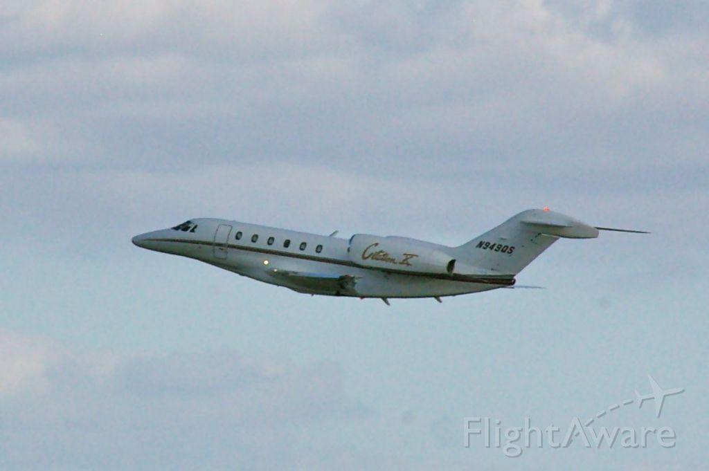 Cessna Citation X (N949QS) - Departing 1R on 12/16/11.