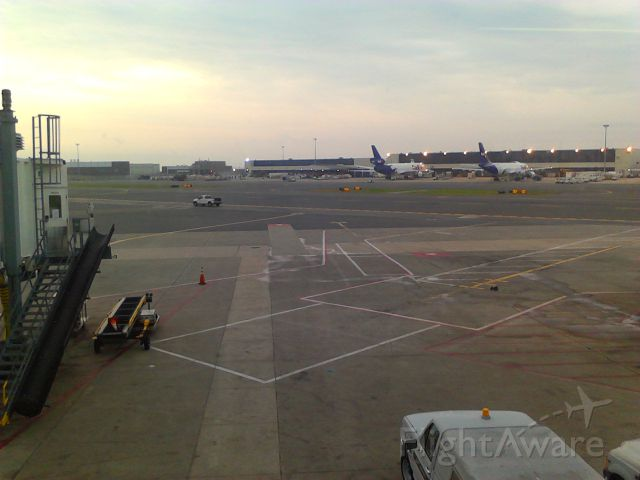 McDonnell Douglas DC-10 — - Waiting my for my flight to KCLT