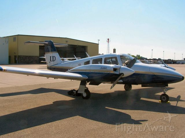 Piper PA-44 Seminole (N2164D) - Sitting on the ramp in Dubuque