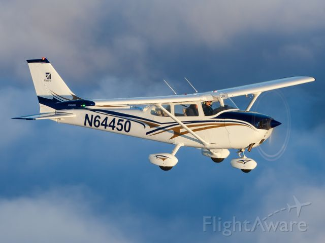 Cessna Skyhawk (N64450) - Flying above a cloud layer just west of KARB