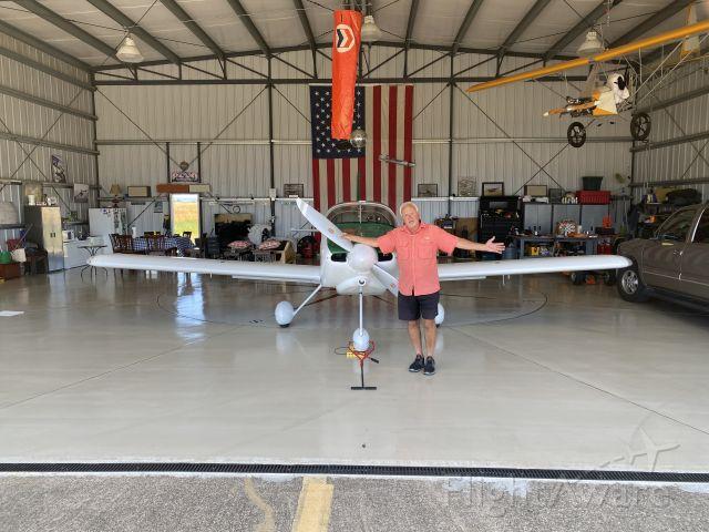 """N813T — - Aircraft home base:  Hangar 1081 """"Gun Club"""" Ramp F complex"""