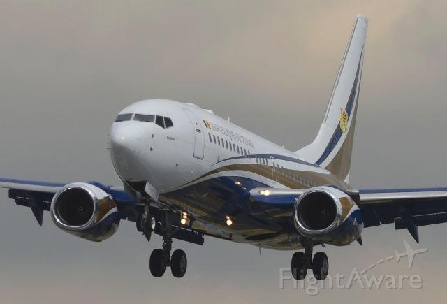 Boeing 737-700 (TT-ABD) - 07/08/2013<br />Landing 27 deom LFSB