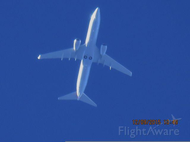 Boeing 737-800 (N982NN)