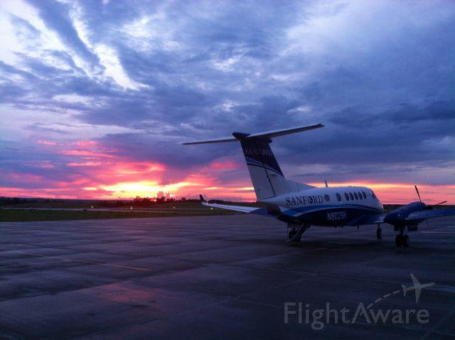 Beechcraft Super King Air 200 (N902SH)