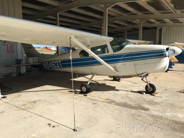 Cessna Centurion (N9463T) - Evidence of prop strike