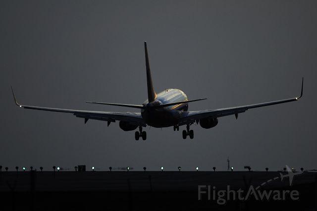 Boeing 737-700 (N205SW) - 9/24/2005