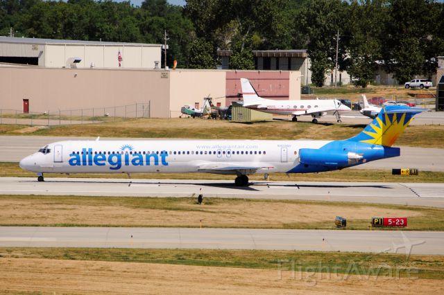 McDonnell Douglas MD-88 (N404NV) - Preparing to depart runway 23 for Clearwater, FL.