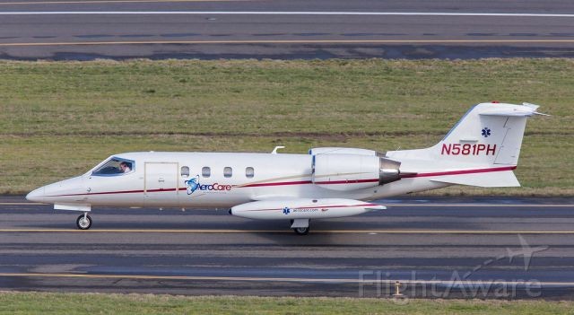 Learjet 35 (N581PH) - Medevac Lear departing for destinations unknown
