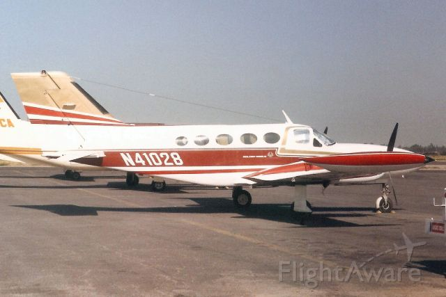 Cessna 421 (N41028) - Seen here in Jun-86.<br /><br />Reregistered N421JQ 30-Jun-07.<br />Registration cancelled 14-Feb-14.