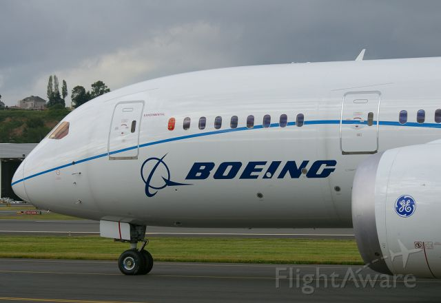 Boeing 787-8 (N787FT) - First GE powered 787 seen at BFI after a certification test flight.