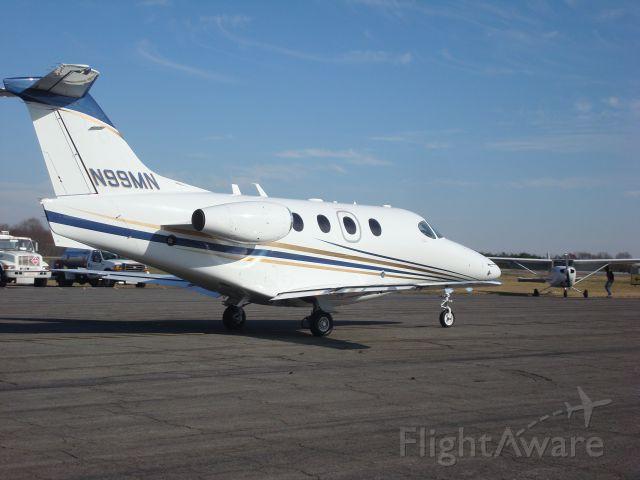 Beechcraft Premier 1 (N99MN) - N99MN heading towards runway 4 for departure towards KRDU