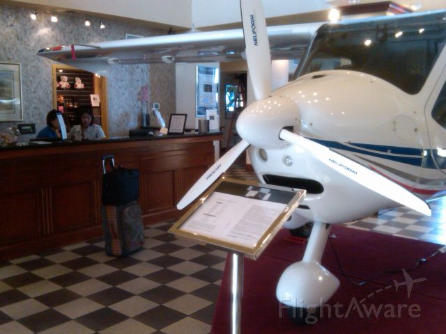 — — - Light Sport Aviation Expo - hotel check in!