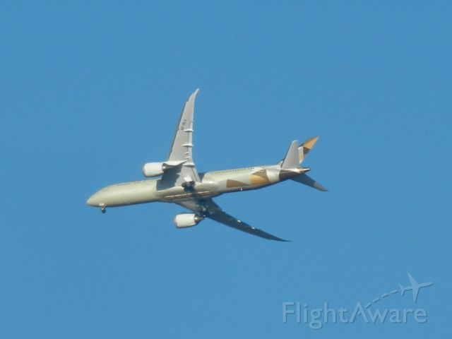 Boeing 787-9 Dreamliner (A6-BLA) - A Etihad Airways Boeing 787-900 Dreamliner Turning Into Dulles Int Airport