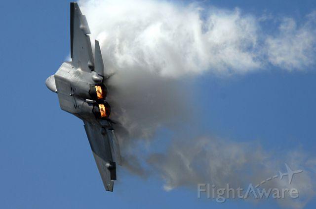 — — - F-22 Raptor