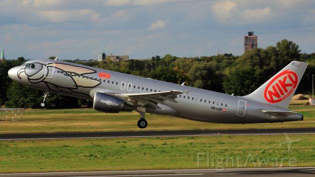 Airbus A320 (OE-LEF)