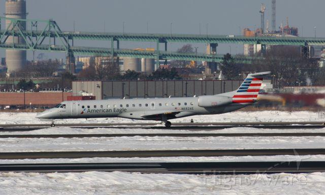 Embraer ERJ-145 (N682AE)