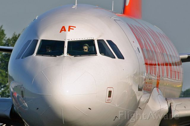 Airbus A319 (G-EZAF) - Entering the active