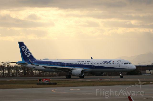 Airbus A321 (JA114A) - November 30th 2019:HND-HKD.