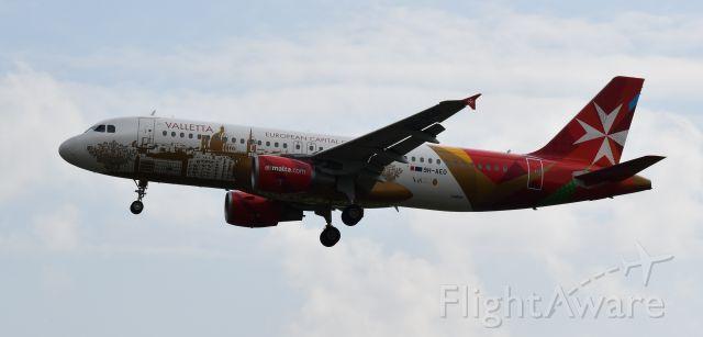 Airbus A320 (9H-AEO) - LIML,LINATE WAITING MALTA(VALLETTA EUROPEAN CAPITAL OF CULTURE)