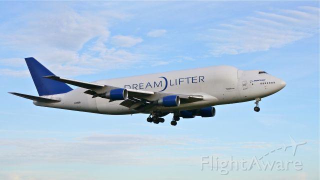 Boeing 747-400 (N718BA) - GTI4351 from KCHS on final approach to Rwy 16R on 11/27/13. (LN:932 cn 27042).