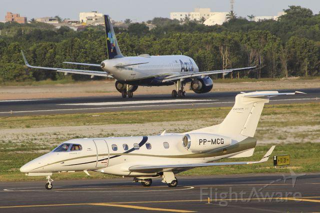 Embraer Phenom 300 (PP-MCG)