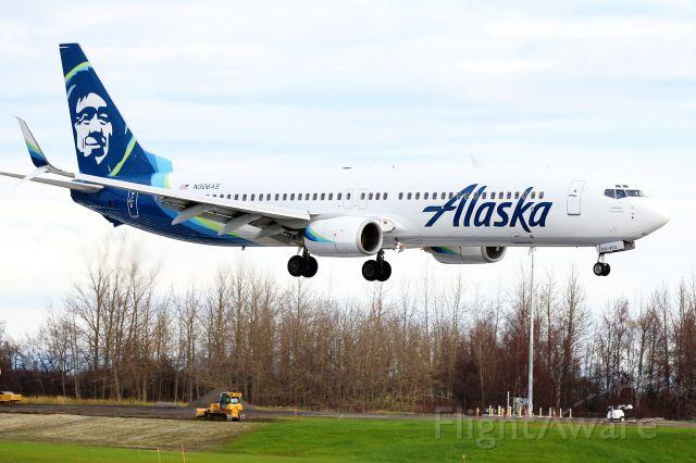 Boeing 737-900 (N306AS)