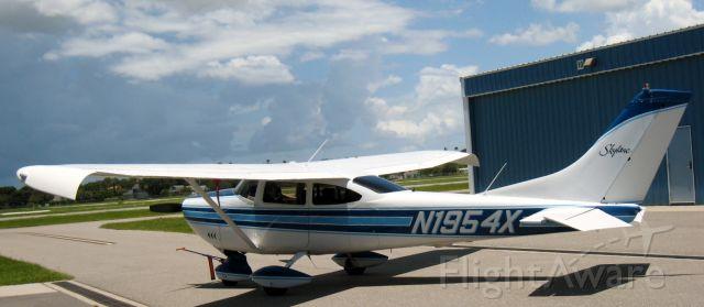 Cessna Skylane (N1954X)