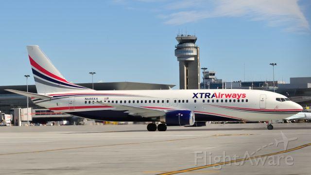 BOEING 737-400 (N688XA)