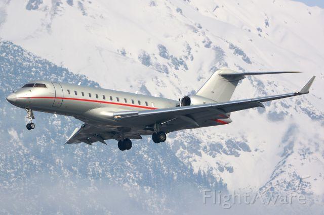 Bombardier Global Express (9H-VJE) - On final for rwy26