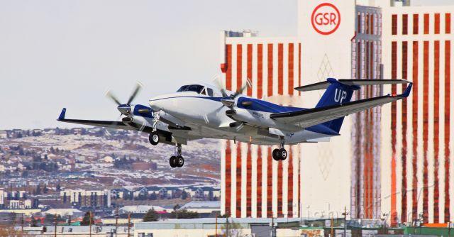 Beechcraft Super King Air 350 — - Off 16L.