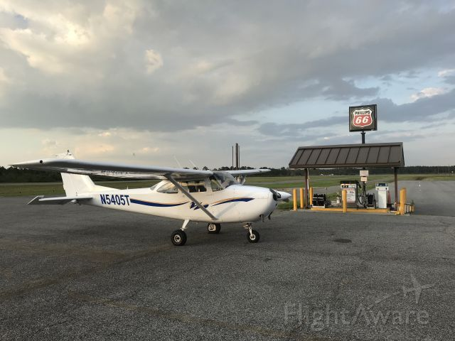 Cessna Skyhawk (N5405T)