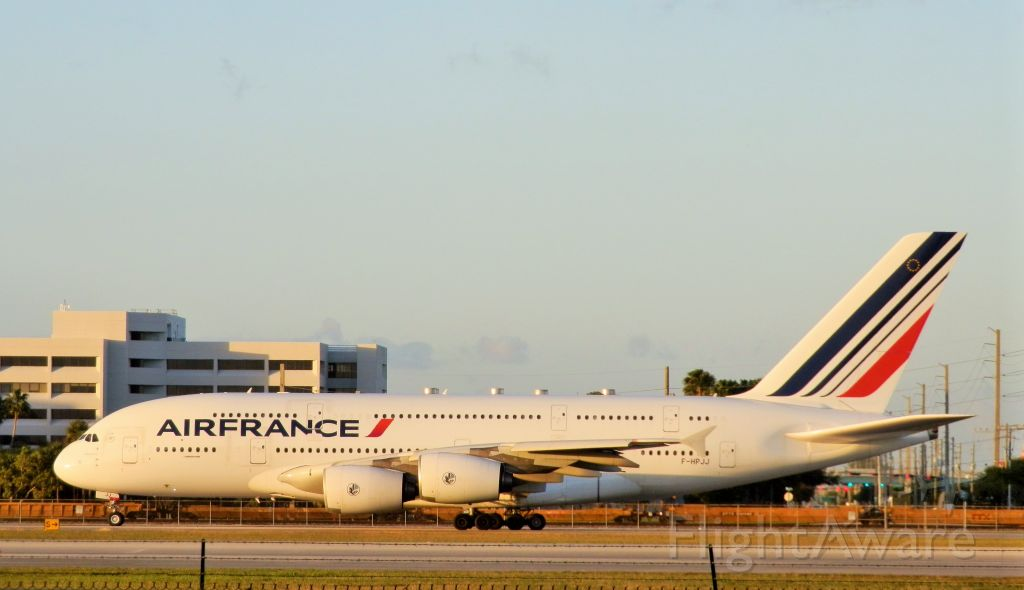 """Airbus A380-800 (F-HPJJ) - The Vast Size of the """"Gentle Giant!"""""""