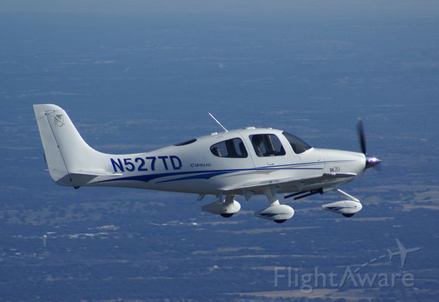 Cirrus SR-20 — - South of Llano, Texas @ 5,500