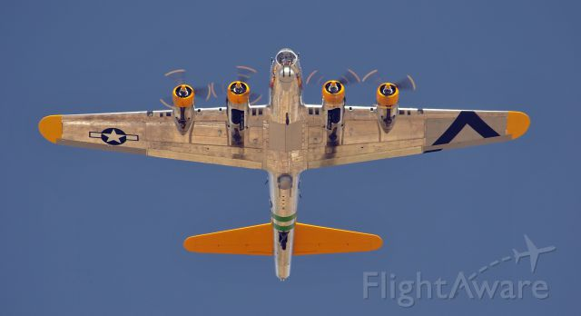 Boeing B-17 Flying Fortress (N9563Z) - B-17 Overhead