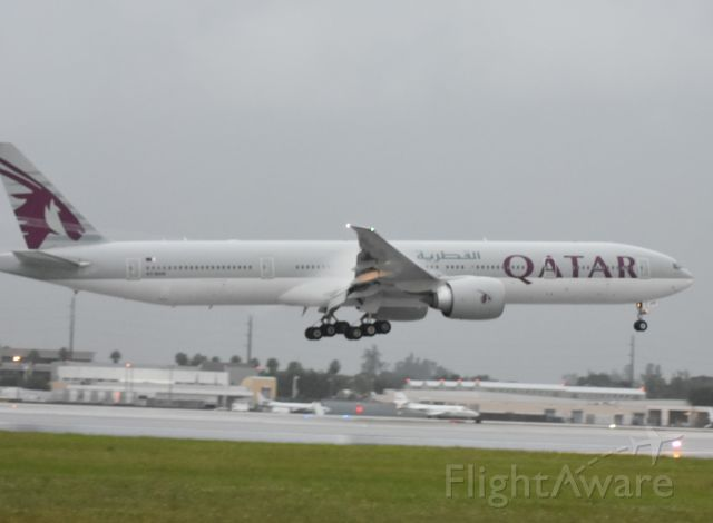 Boeing 777-200 (A7-BAN)