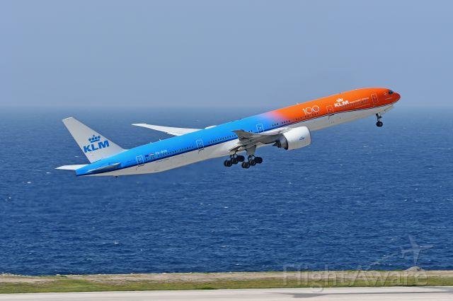 BOEING 777-300 (PH-BVA) - Departing Hato International Airport on August 28, 2020