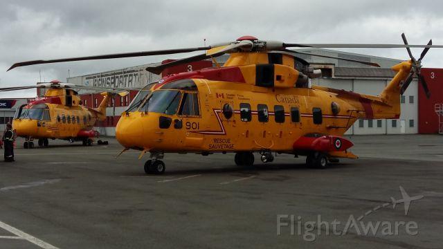 WESTLAND Merlin (14-9901) - Agusta-Westland CH-149 Cormorants. Canadian Forces Air/Sea Rescue.
