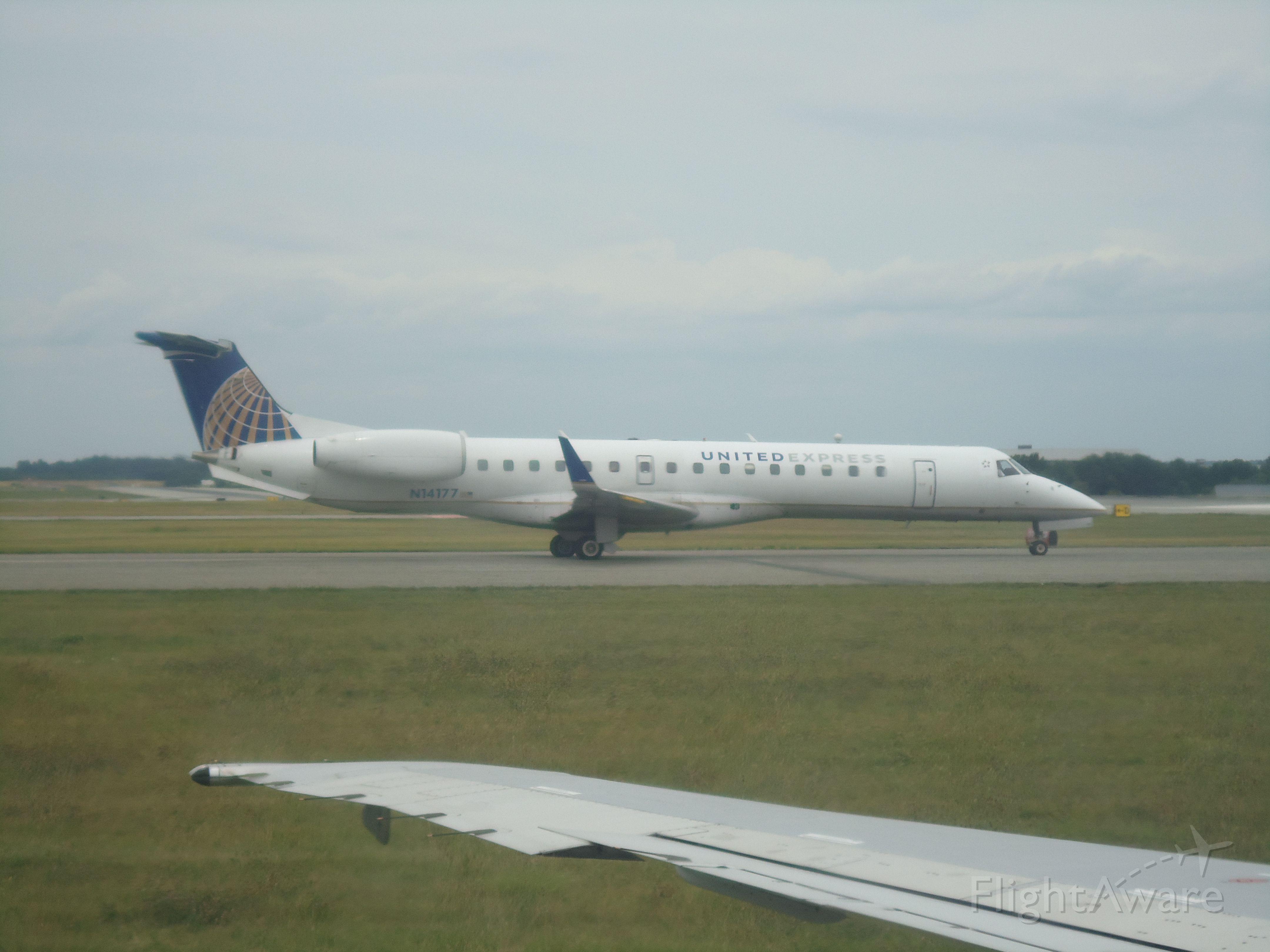 Embraer ERJ-145 (N14177)