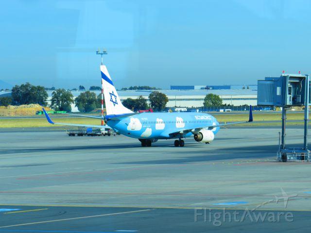 Boeing 737-700 (4X-EKU)