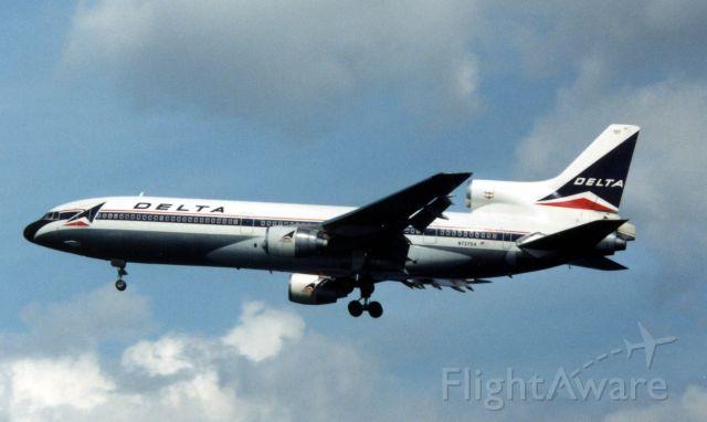 Lockheed L-1011 TriStar (N727DA)