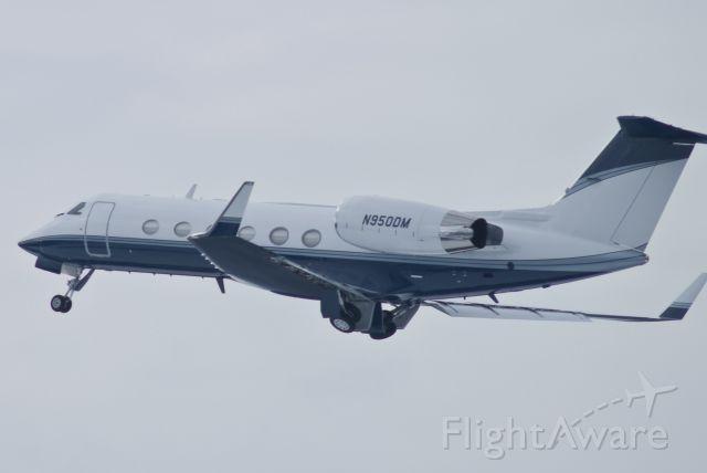 Gulfstream Aerospace Gulfstream IV (N950DM) - Dep Southbound