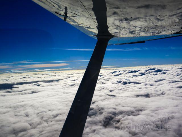 Cessna Skylane (N1967X) - VFR on top!