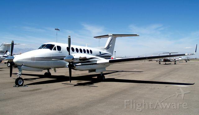 Beechcraft Super King Air 300 (N850D)